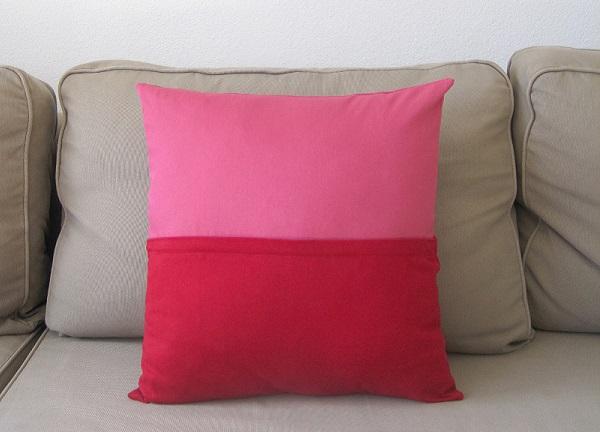 Tutorial: Color block pillow with a hidden zipper