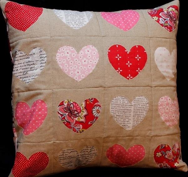 Tutorial: Reverse applique heart pillow