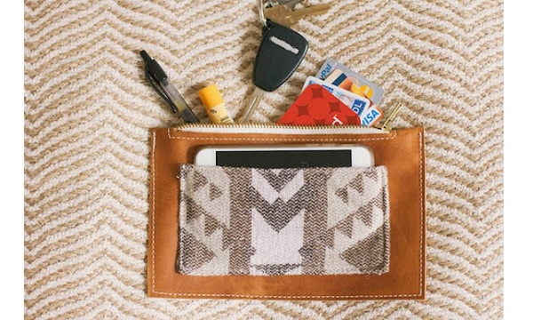 Tutorial: Simple leather zippered pouch