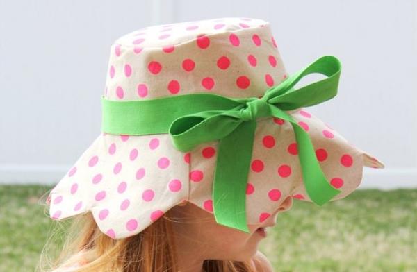 Free pattern: Kids scalloped bucket hat