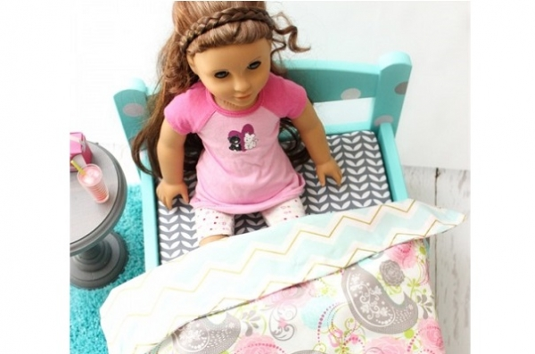 Tutorial: Doll bed mattress and reversible sheets