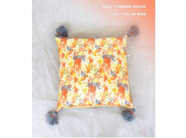 Tutorial: Easy peasy tassel pillow