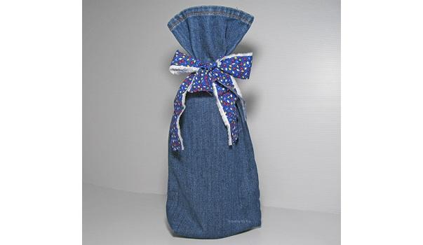 Tutorial: Recycled denim wine bottle gift bag