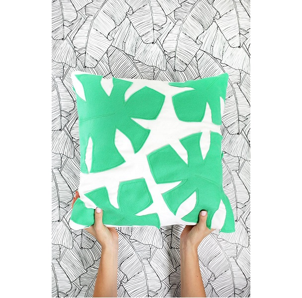 Tutorial: Felt palm leaf pillow