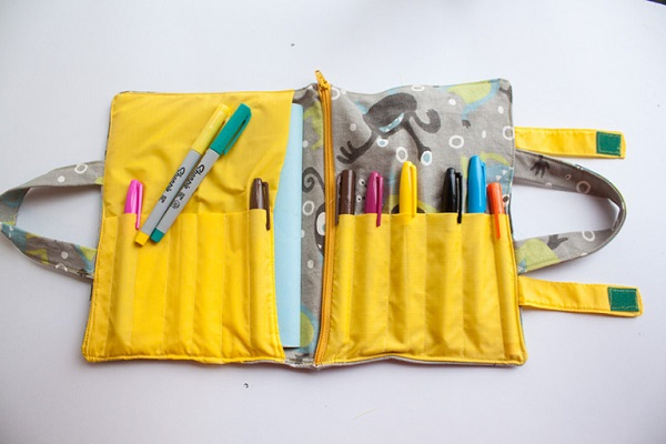 Free pattern: School supplies organizer tote