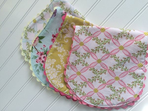 Tutorial: Vintage-inspired baby burp cloth