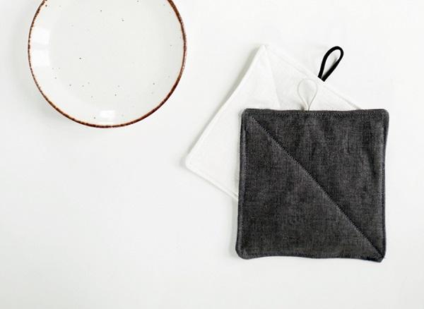 Tutorial: Simple but elegant linen pot holders