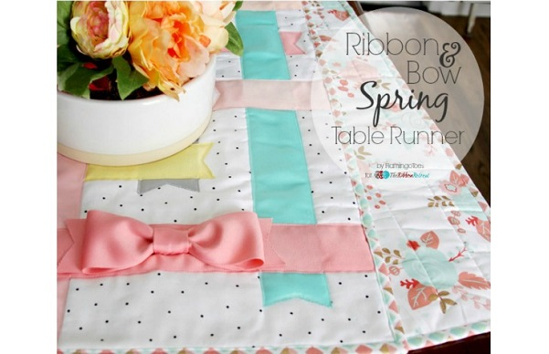 Tutorial: Woven ribbon and bow table runner