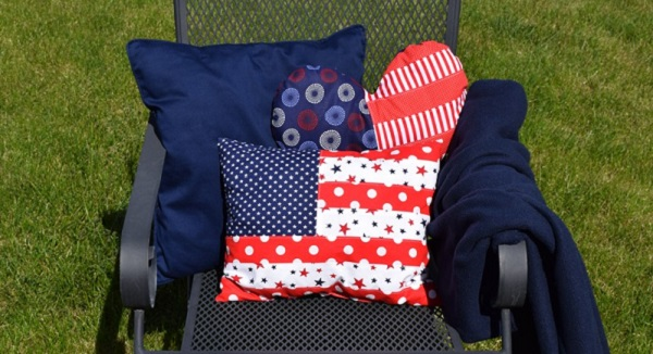 Tutorial: American flag patchwork pillows