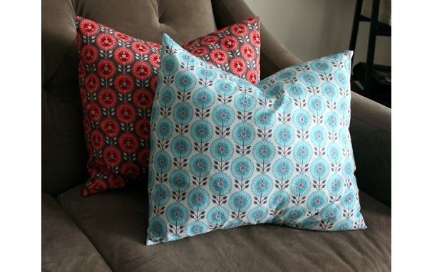 Tutorial: 10-minute pillow covers