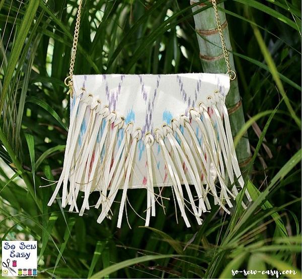 Free pattern: Small fringed bag