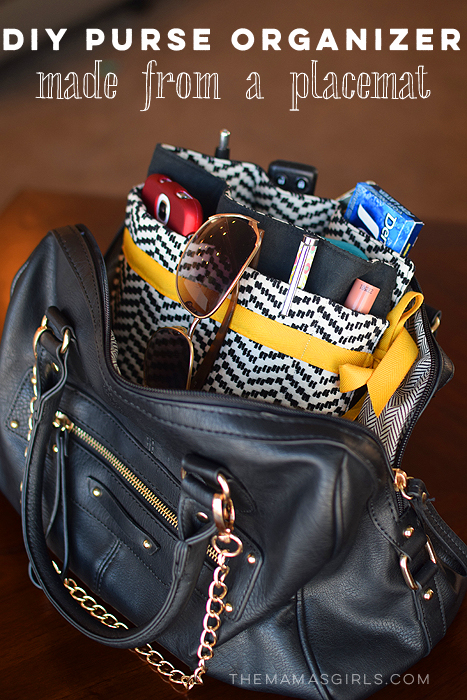 DIY-Purse-Organizer-made-from-a-Placemat