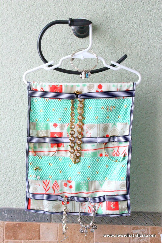 Tutorial: Hanging jewelry organizer