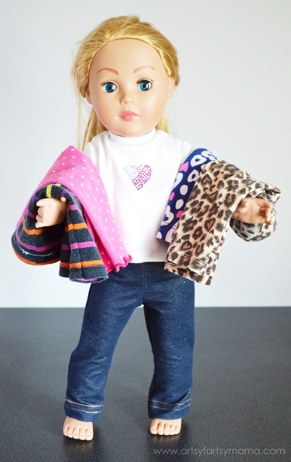 Tutorial: Make doll pants from your child's outgrown leggings