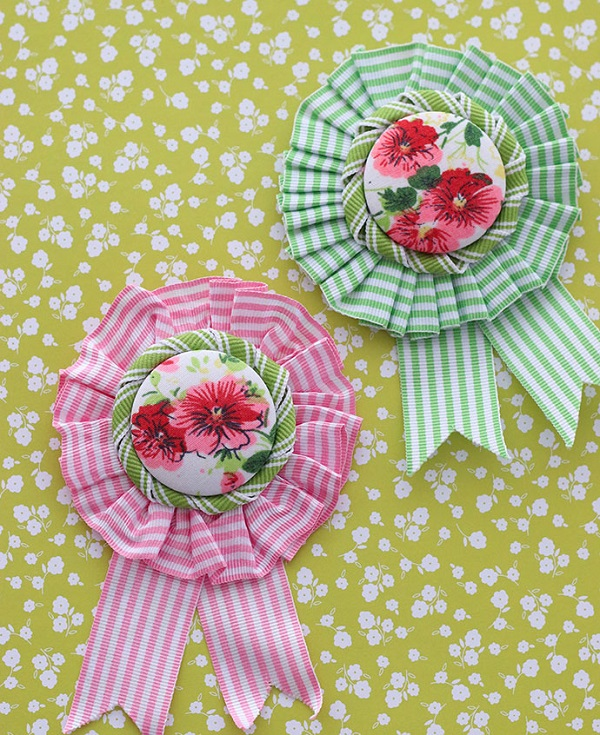 Tutorial: Vintage inspired ribbon rosette brooches