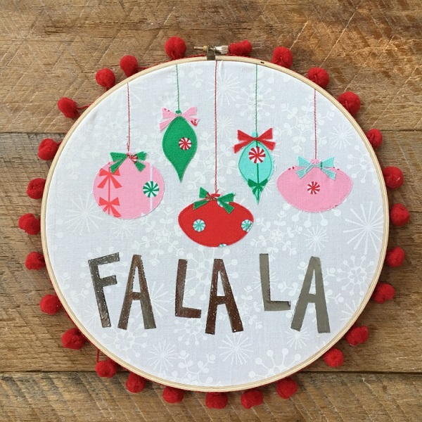 Tutorial: Christmas ornament hoop art