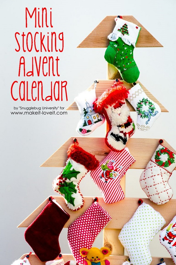 Free pattern: Mini stocking Advent calendar and wooden tree display