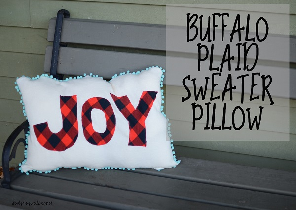 Tutorial: Buffalo plaid sweater Christmas pillow