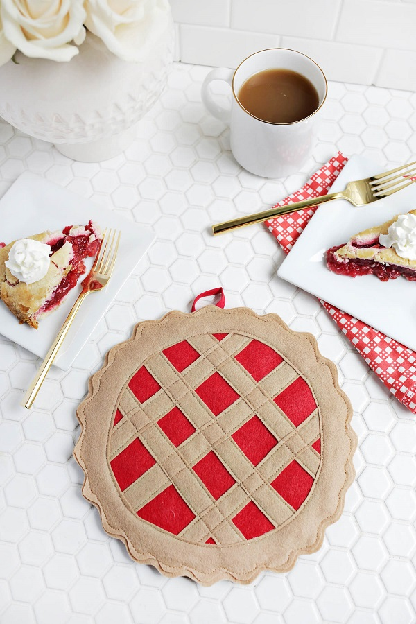 Tutorial: Cherry pie pot holder