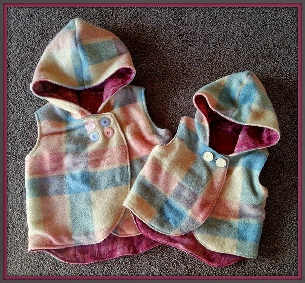 Free pattern: Hooded wool vest for little kids