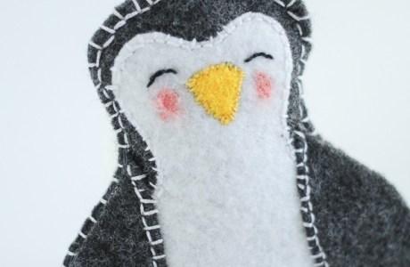 Free pattern: Felt penguin Christmas ornament