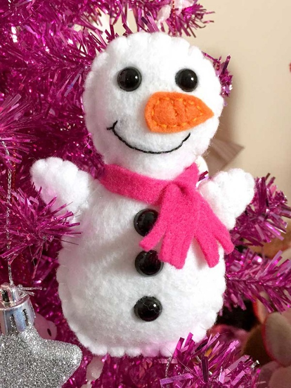 Free pattern: Mini felt snowman softie – Sewing