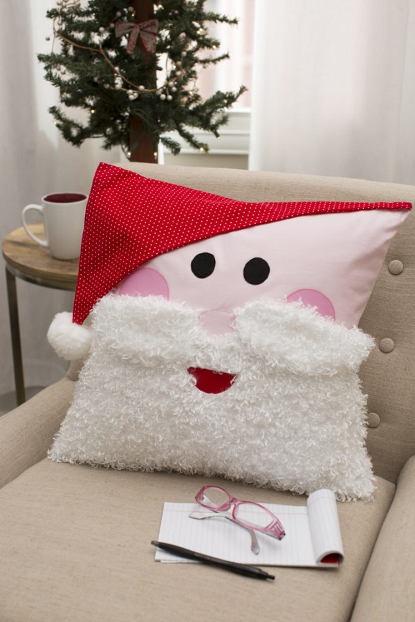 Tutorial: Santa pillow with a fluffy beard