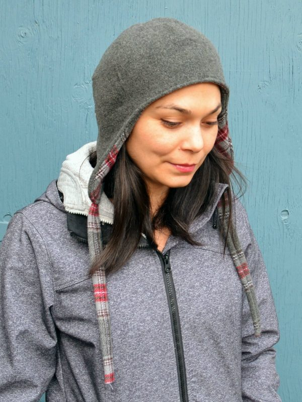 Free pattern: Reversible wool ear flap hat