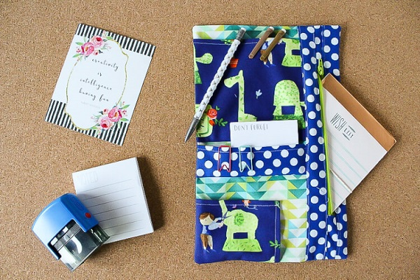 Tutorial: Sew an organizer for your planner accessories