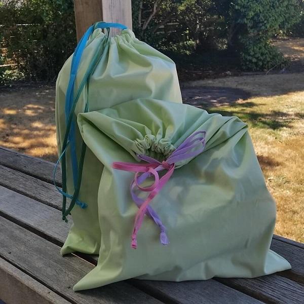 Swim Lesson Bag: Tutorial: Easy Waterproof Swim Bag