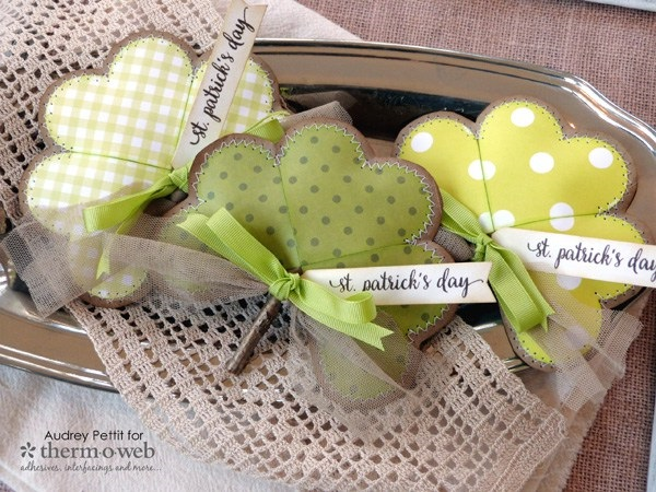Tutorial: Stitched paper shamrock softies