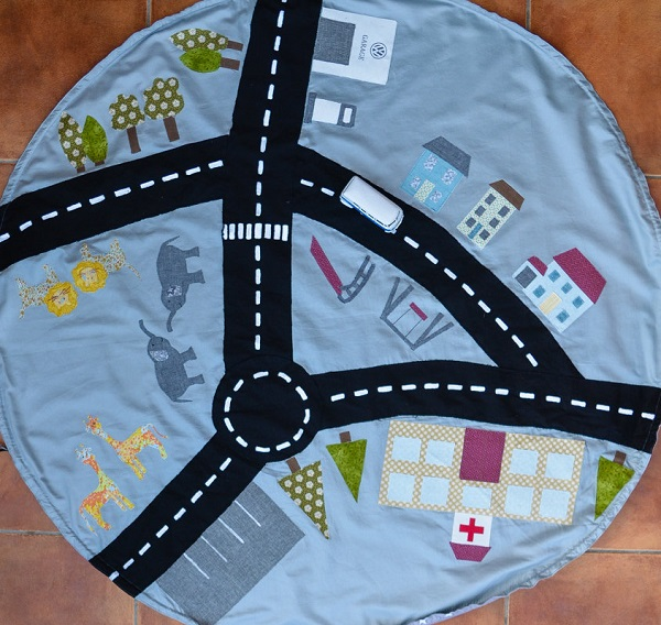 Tutorial: Car playmat and drawstring storage bag