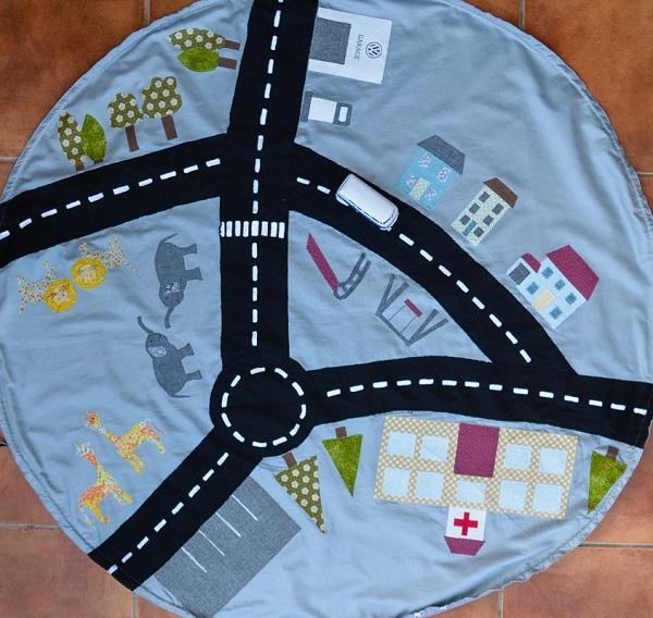 Tutorial: Car playmat and drawstring storage bag