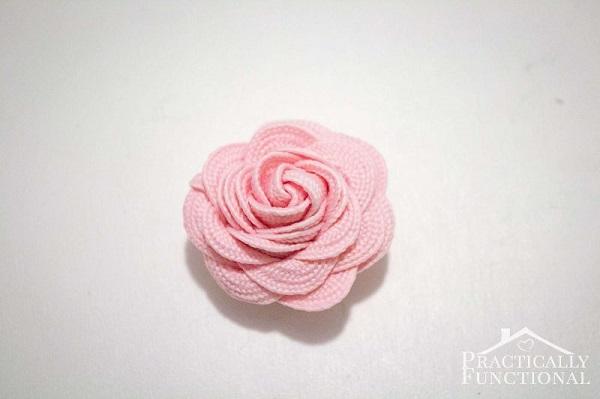 Tutorial: Turn ric rac into sweet little flowers