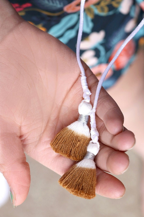 Tutorial: Add tassels to a drawstring