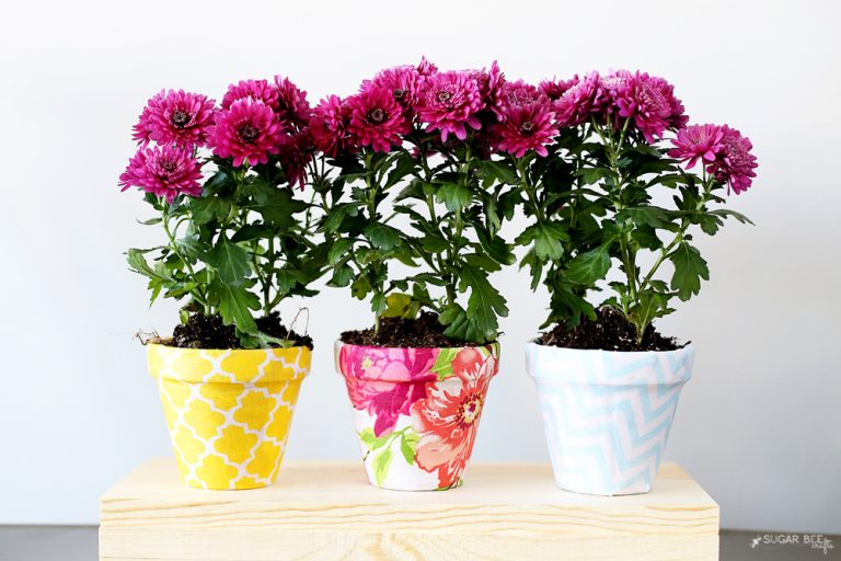 Tutorial: Pretty fabric covered flower pots