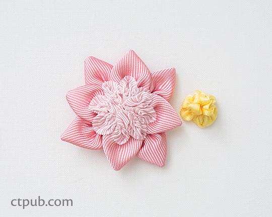 Video tutorial: Ribbon rosette