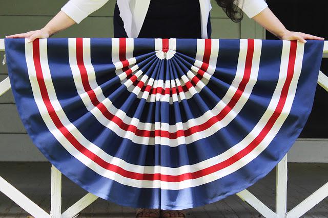 Tutorial: Patriotic pleated flag bunting