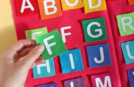 Tutorial: Felt and transfer vinyl alphabet matching game