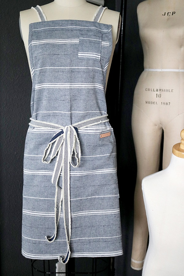 Tutorial: Linen apron with leather accents