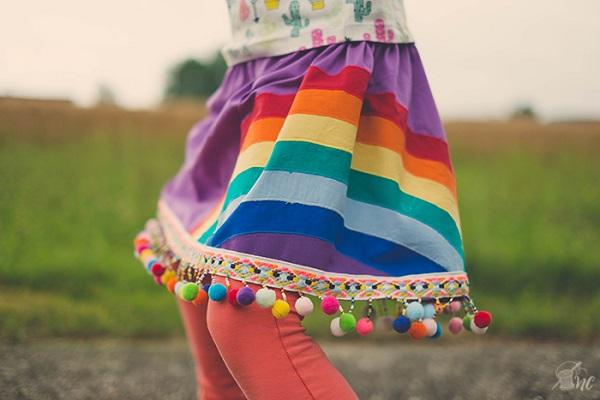 Tutorial: Rainbow pom pom twirly skirt