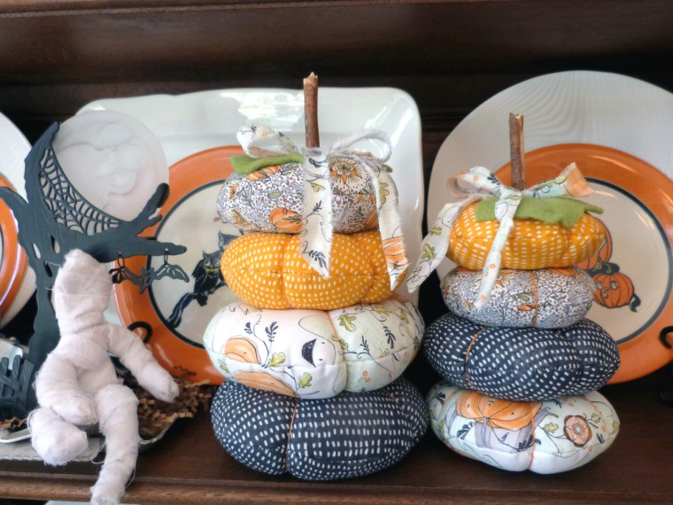 Tutorial: Stacked fabric pumpkins