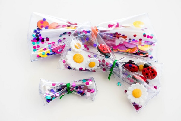Tutorial: Clear vinyl confetti bow hair clips