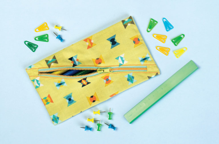Tutorial: Pencil pouch with a diagonal zipper