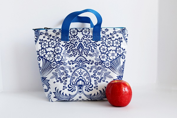 Tutorial: Sew an insulated lunch bag