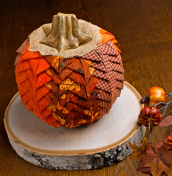 Tutorial: Prairie point pumpkin