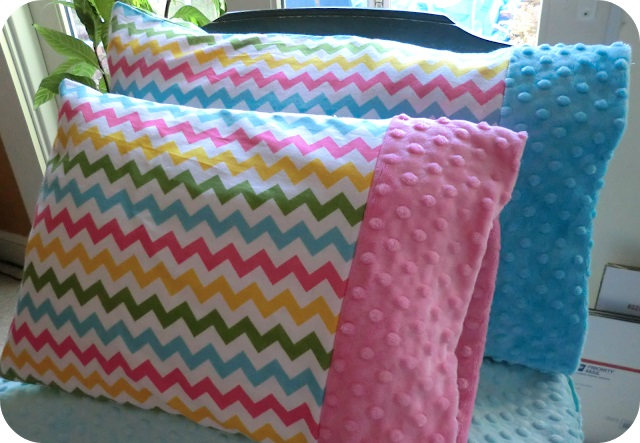 Tutorial Toddler pillowcase with Minky cuff