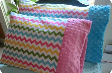 Tutorial: Toddler pillowcase with Minky cuff