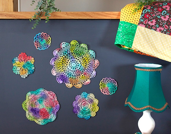 Tutorial: Colorful painted doilies