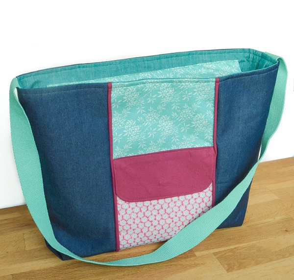 Tutorial and pattern: Large zippered tote bag